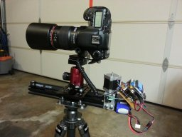 Camera slider for stacking focus